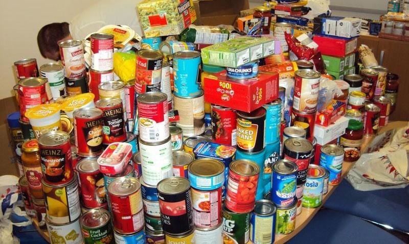 Γαλλία: Νέος νόμος υποχρεώνει τα σούπερ μάρκετ να δίνουν τα απούλητα τρόφιμα στους φτωχούς